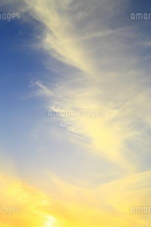 夕焼け雲の写真素材 [FYI01817500]