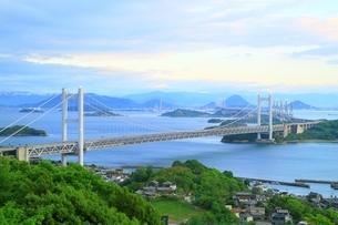 瀬戸大橋夕景の写真素材 [FYI01817969]