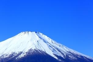 三国峠より望む富士山の写真素材 [FYI01818076]