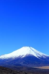 三国峠より望む富士山の写真素材 [FYI01818099]