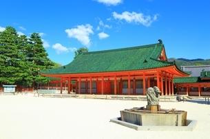 平安神宮 神楽殿の写真素材 [FYI01819182]