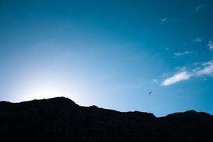 大空を舞うの写真素材 [FYI01820195]