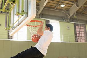 バスケットボール ミドルの写真素材 [FYI01820394]