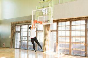 バスケットボール ミドルの写真素材 [FYI01820421]