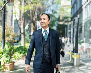 シニアのビジネスマンの写真素材 [FYI01820527]