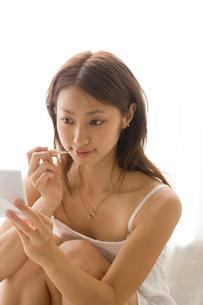 女性 メイクイメージの写真素材 [FYI01820575]