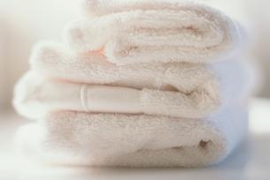 白いタオルの写真素材 [FYI01820830]