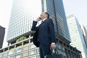 シニアのビジネスマンの写真素材 [FYI01821009]