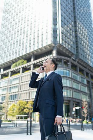 シニアのビジネスマンの写真素材 [FYI01821010]