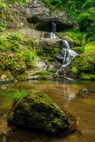 輪島市の桶滝の写真素材 [FYI01821095]