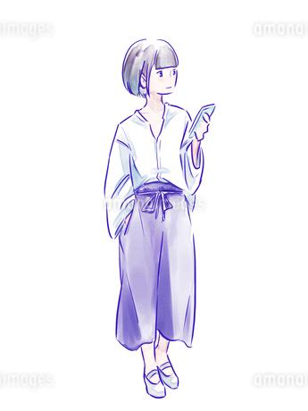 スマホを持った青いパンツの女の子のイラスト素材 [FYI01822125]