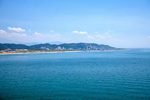 瀬波温泉海水浴の写真素材 [FYI01822199]