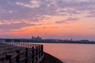 沖縄夜明けの写真素材 [FYI01822369]