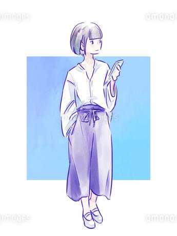 スマホを持った青いパンツの女の子のイラスト素材 [FYI01822516]