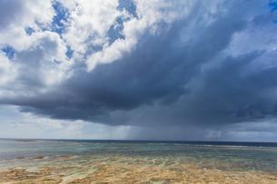 離島 伊平屋島の風景の写真素材 [FYI01822960]