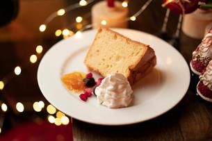 クリスマスディナーのパンケーキの写真素材 [FYI01823334]