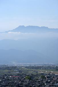 春の石鎚山の写真素材 [FYI01823647]