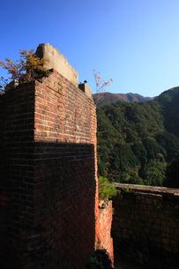 秋の別子銅山跡の写真素材 [FYI01823934]