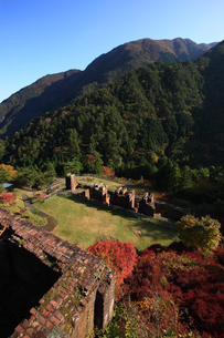 秋の別子銅山跡の写真素材 [FYI01823973]
