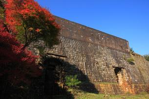 秋の別子銅山跡の写真素材 [FYI01824261]