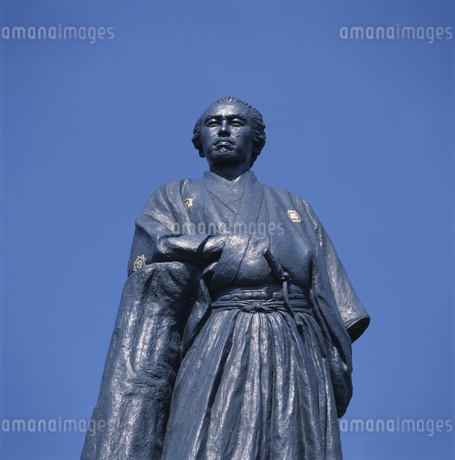 坂本龍馬の銅像 高知県の写真素材 [FYI01824427]