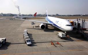 松山空港の写真素材 [FYI01824656]