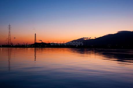 夜明けの瀬戸内海の写真素材 [FYI01824857]