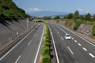 松山自動車道の写真素材 [FYI01825009]