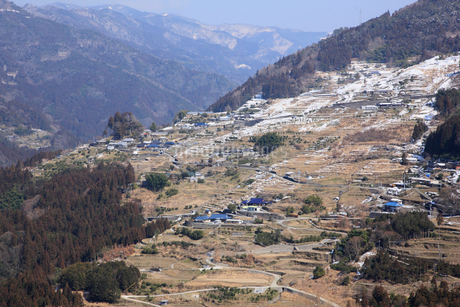 冬の山村の写真素材 [FYI01825177]