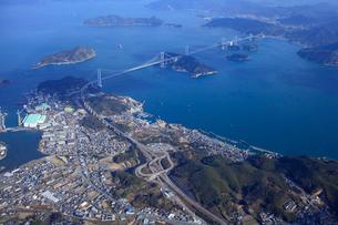 空から見たしまなみ海道の写真素材 [FYI01825228]