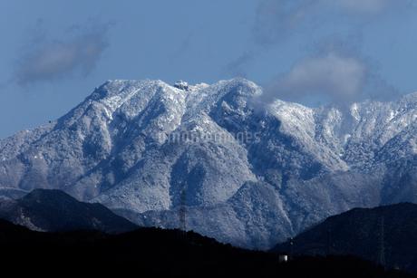 雪の石鎚山の写真素材 [FYI01825273]