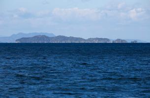 猫の島 青島遠望の写真素材 [FYI01825555]