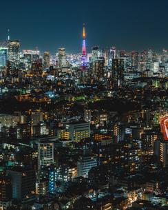 恵比寿ガーデンプレイスタワー トップオブ恵比寿から望む東京タワーと東京の夜景の写真素材 [FYI01826432]