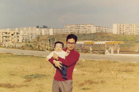 家族と兄弟の写真素材 [FYI01828659]