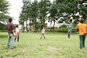 若者グループの写真素材 [FYI01829931]