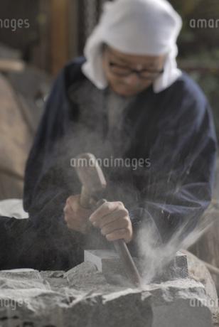 狛犬作りの写真素材 [FYI01829945]