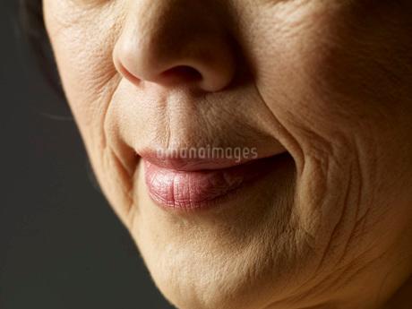 高齢の女性の口の写真素材 [FYI01830234]