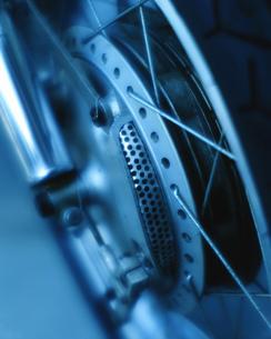 バイクのタイヤの写真素材 [FYI01834330]