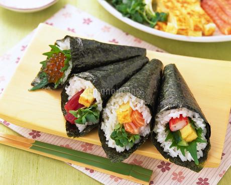 手巻き寿司の写真素材 [FYI01835941]