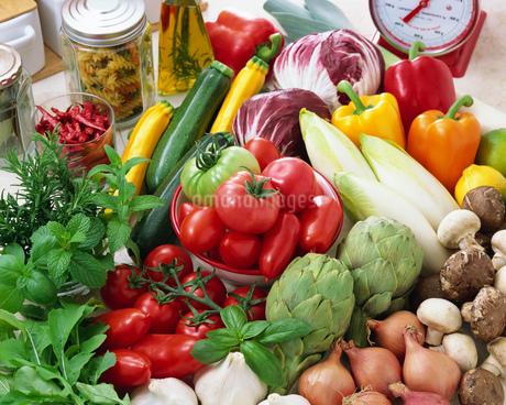 イタリアン野菜とトマトの写真素材 [FYI01836006]