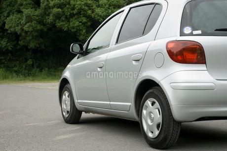 停まっている自動車の写真素材 [FYI01838431]