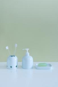 歯ブラシとソープの写真素材 [FYI01843610]