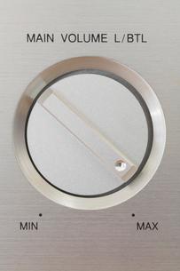 アンプのボリュームの写真素材 [FYI01844620]