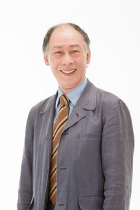笑顔の60代男性の写真素材 [FYI01846002]