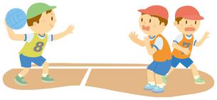 ドッジボールをする小学生のイラスト素材 [FYI01849568]