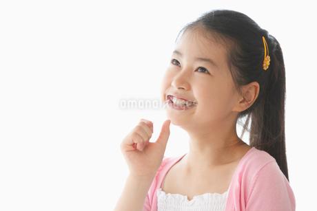 歯をブラッシングする女の子の写真素材 [FYI01849701]