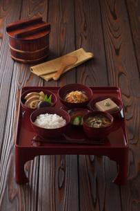 精進料理の一汁三菜の写真素材 [FYI01857766]