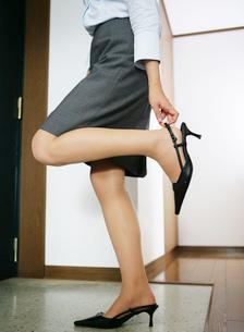 ハイヒールを履いている日本人女性の写真素材 [FYI01865067]