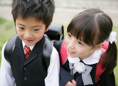ランドセルを背負った小学生の写真素材 [FYI01869196]