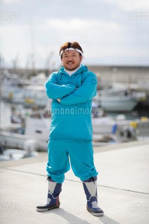 作業服を着た男性の写真素材 [FYI01871699]